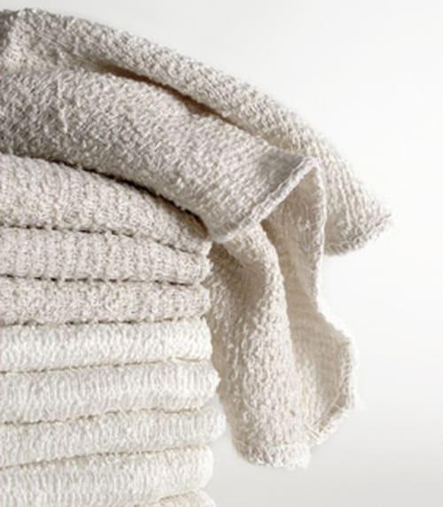 светлые полотенца